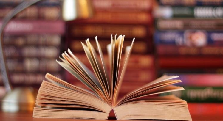 Open-Book-mv2vxj7w1yfd5030idu1hpn1jomliksmludd4w486o